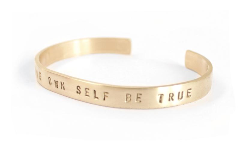 armband-gepersonaliseerd-tekstarmband-messing-goudkleur-sierkracht-bangles