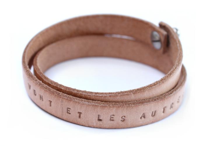 leren-leer-armband-wrap-gepersonaliseerd-met tekst-namen-naturel-sierkracht