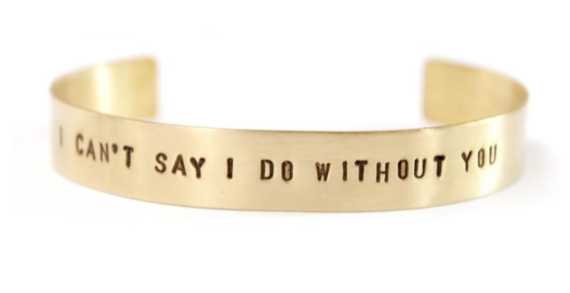 armband-gepersonaliseerd-tekstarmband-messing-goudkleur-sierkracht-bangled M
